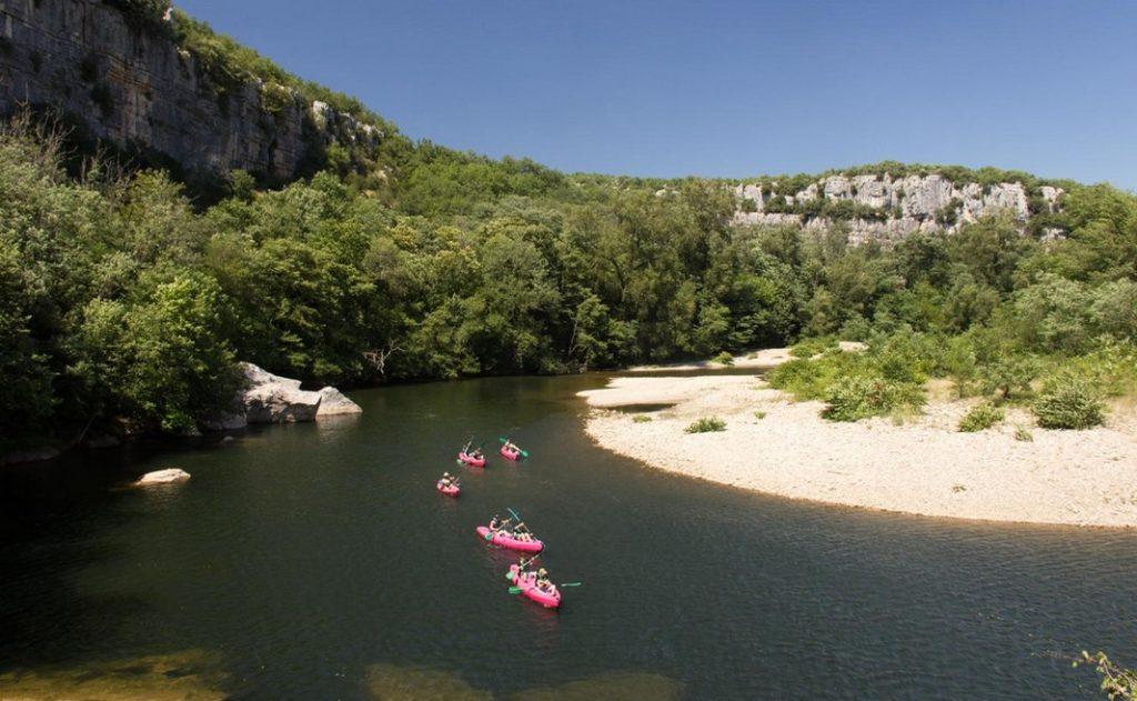 Canoë Kayak au départ des Vans dans les Gorges du Chassezac.