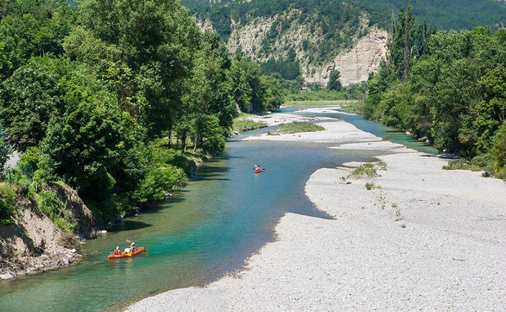 Belle journée de cnoë-kayak sur la Drôme avec la traversée des Gorges de Saillans.