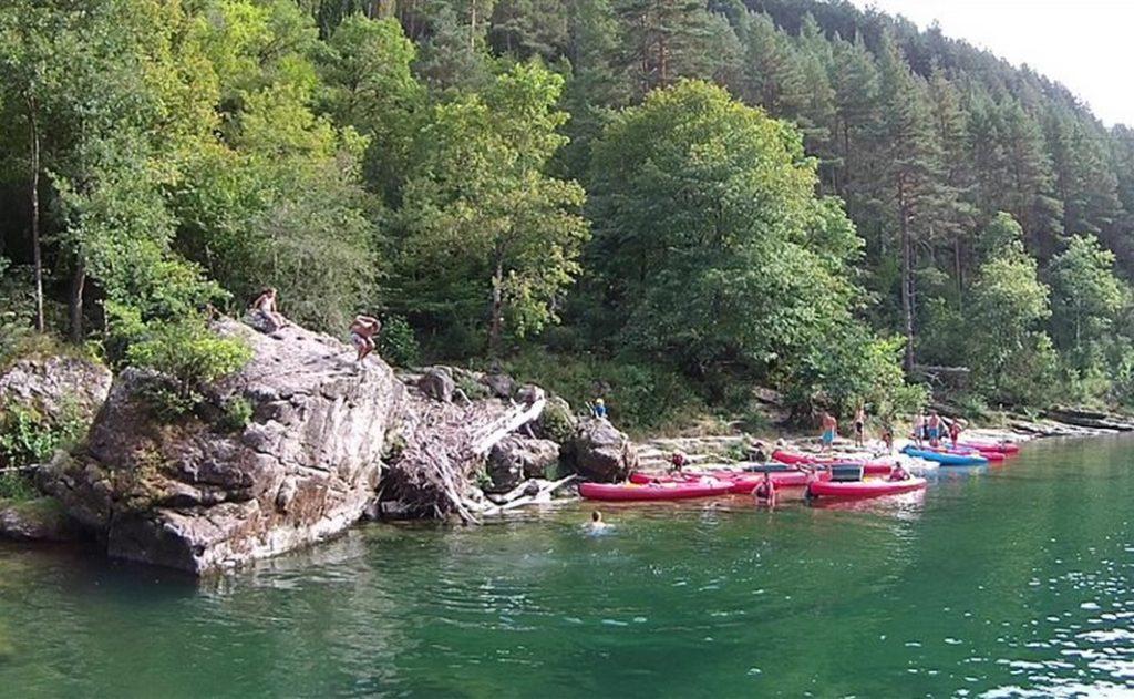 Location de canoë-kayak sur le Tarn entre Rozier et Peyrelade