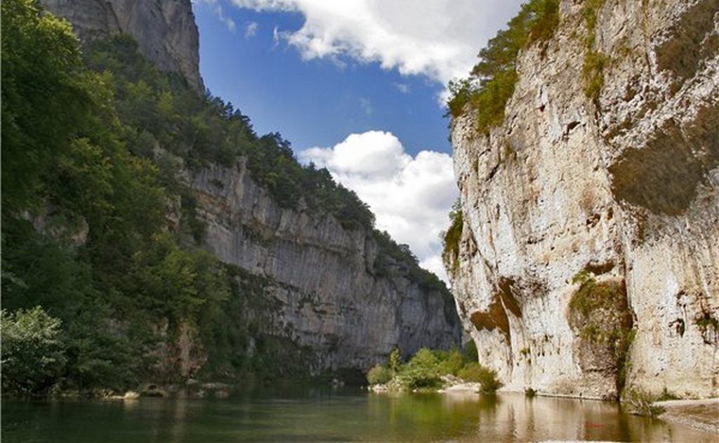 Location de canoë-kayak dans les Gorges du Tarn, le passage des Destroits